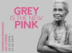 """GREY IS THE NEW PINK - Momentaufnahmen des Alterns"" Ausstellung"