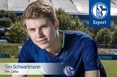 """Tim """"Tim Latka"""" Schwartmann im Finale des Legia eSports Cup 2016"""